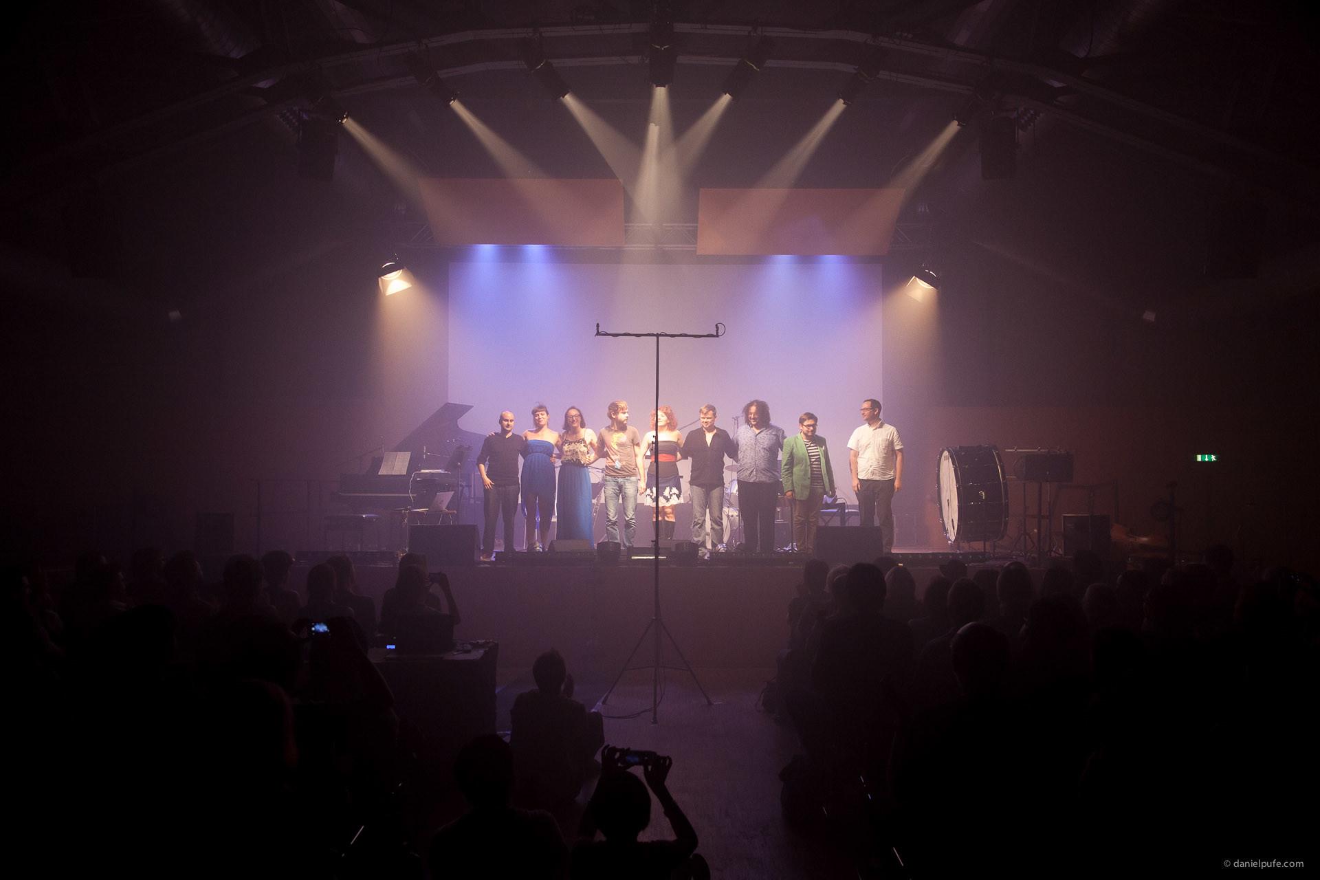 Concert: Decoder/Strobes - Centralstation