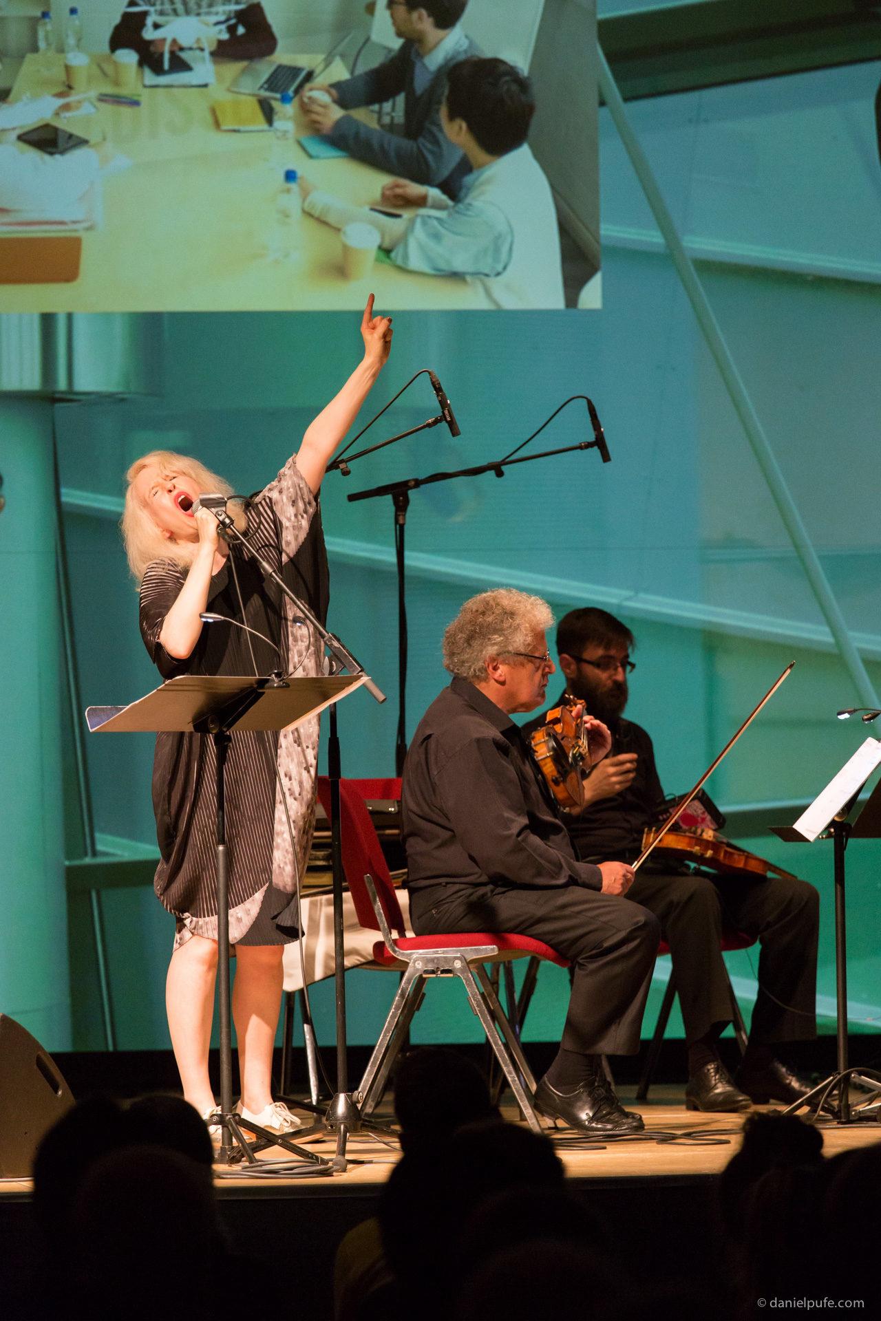 Extendes Strings - Jennifer Walshe